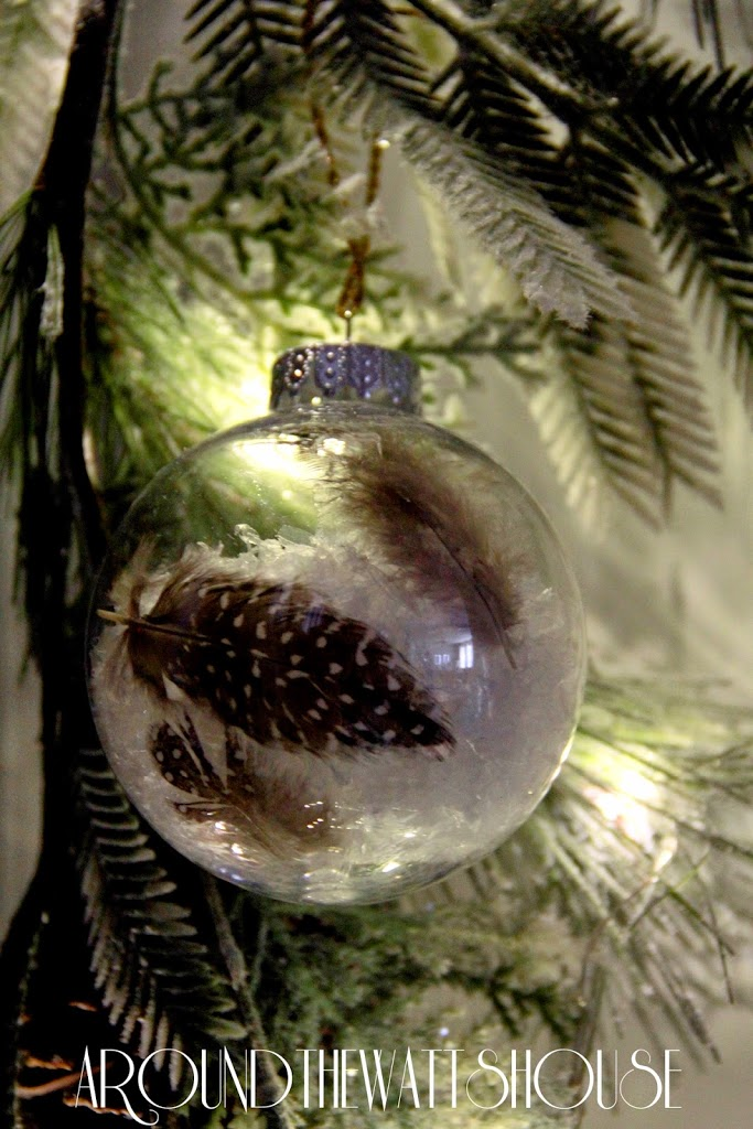 Christmas Craft: Snow/Feather Ornament