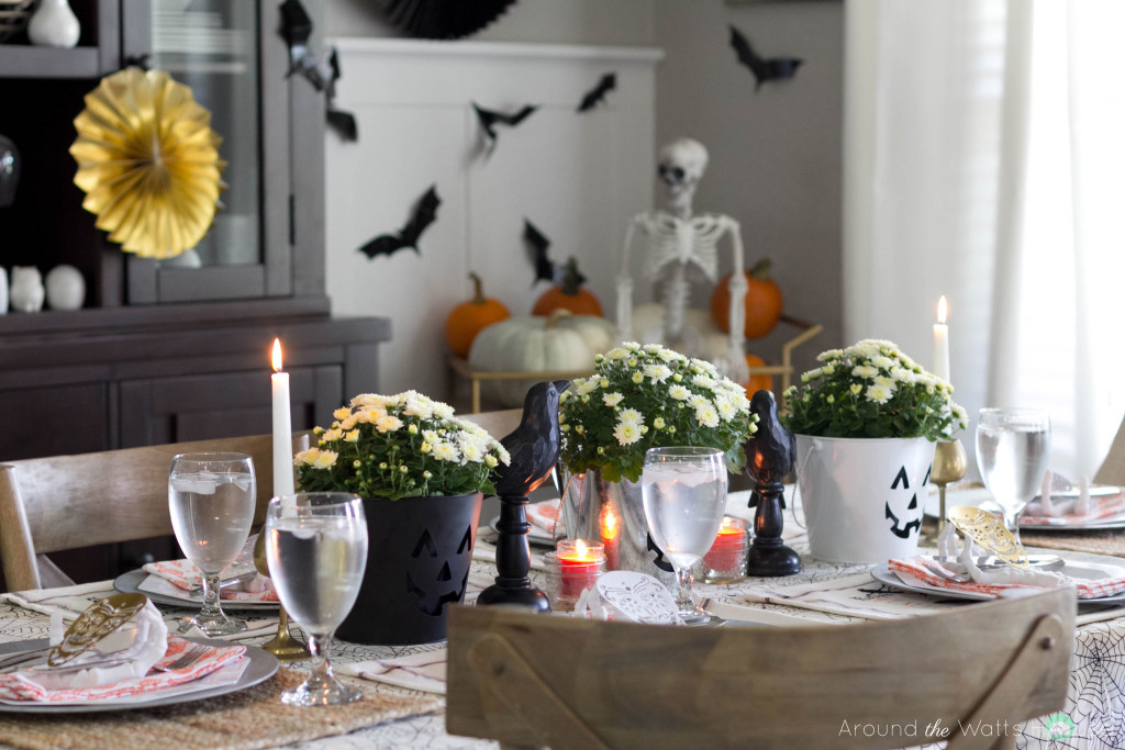 Halloween-Dining-Tablescape