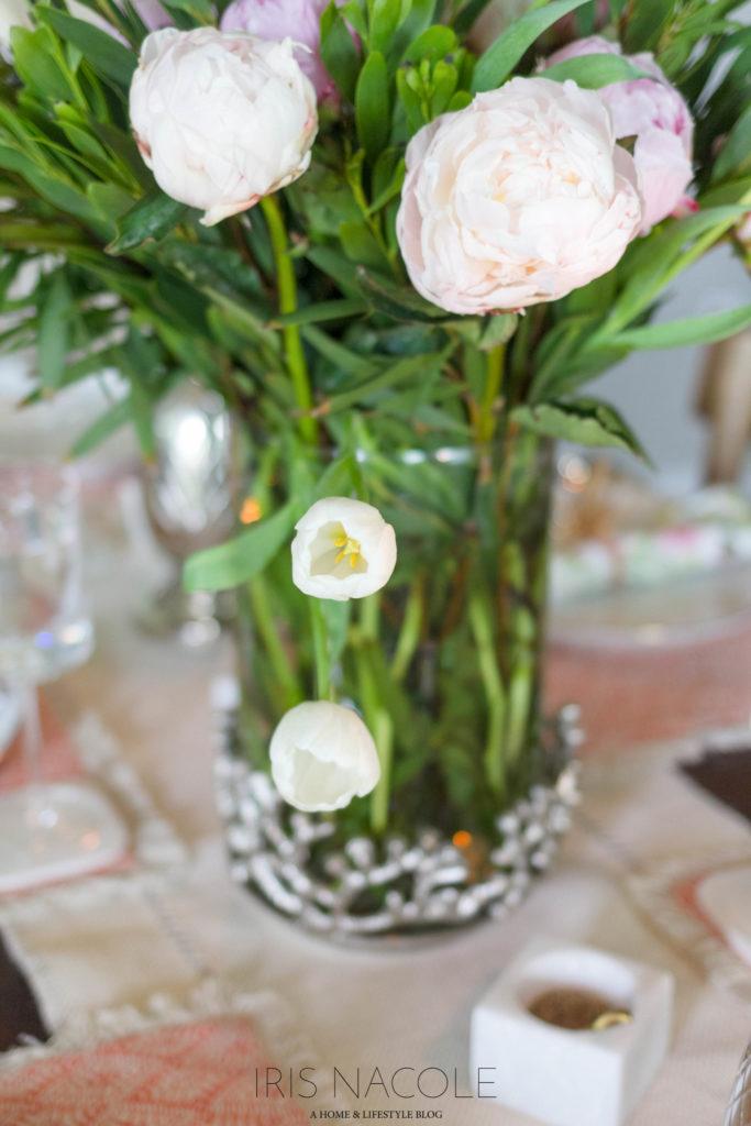 Beautiful Summer Tablescape IrisNacole.com