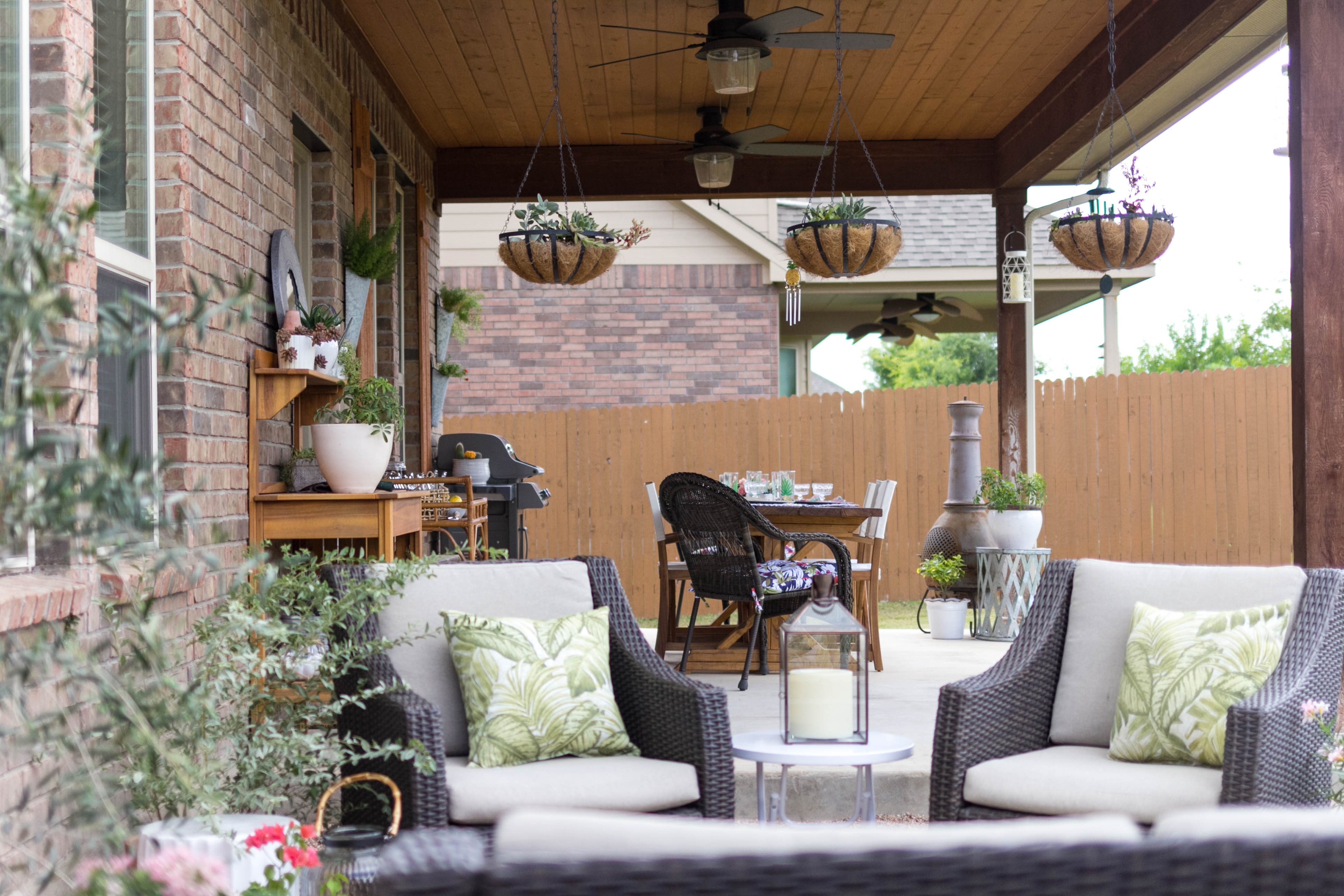 Outdoor Entertaining and Dining