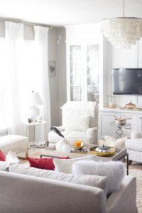 living-room-fall-decor-fall-home-tour-irisnacole-com