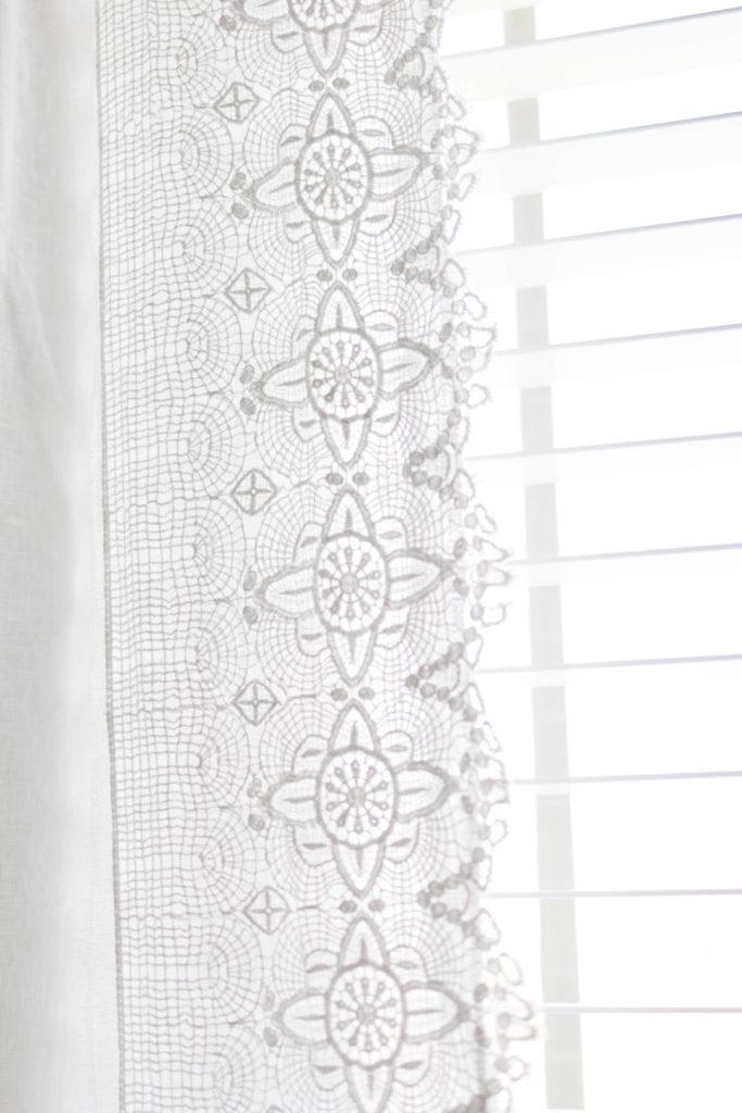 closet-details-irisnacole-com-curtains