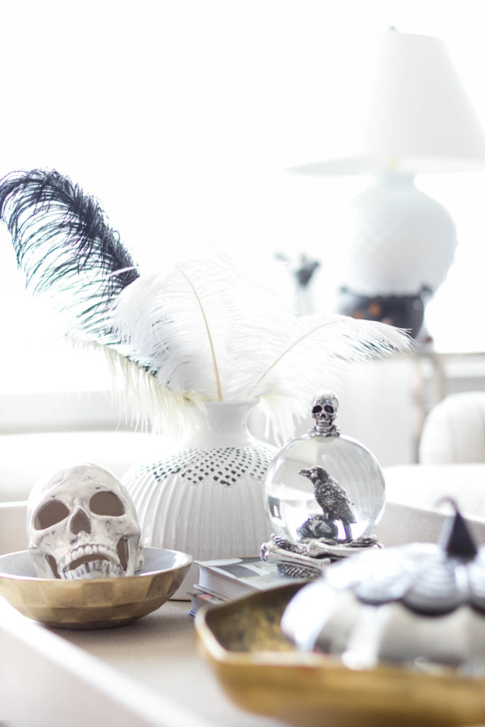 halloween-decor-home-tour-irisnacole-com-coffee-table-styling