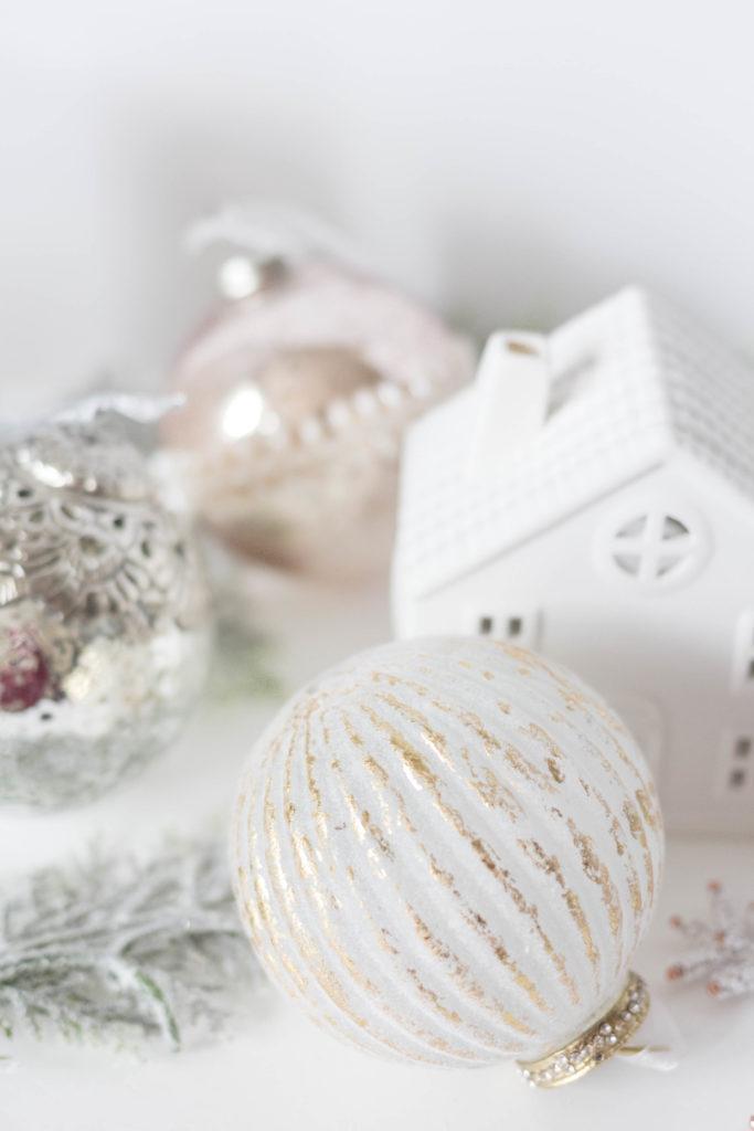 whimsical-floral-christmas-tree-iris-nacole
