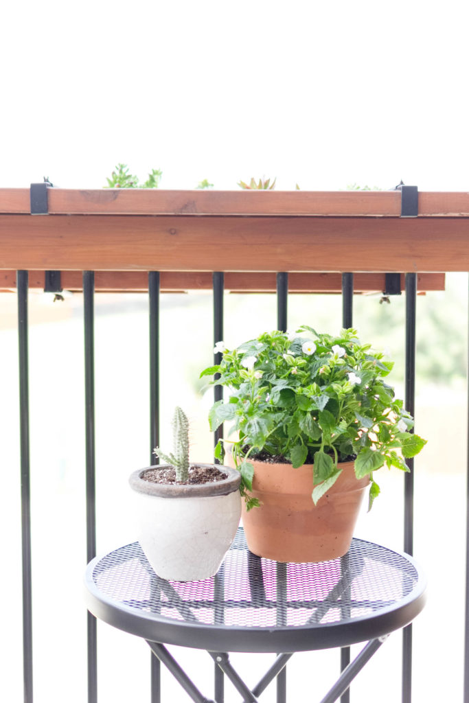 Summer Outdoor Balcony-Porch Styling