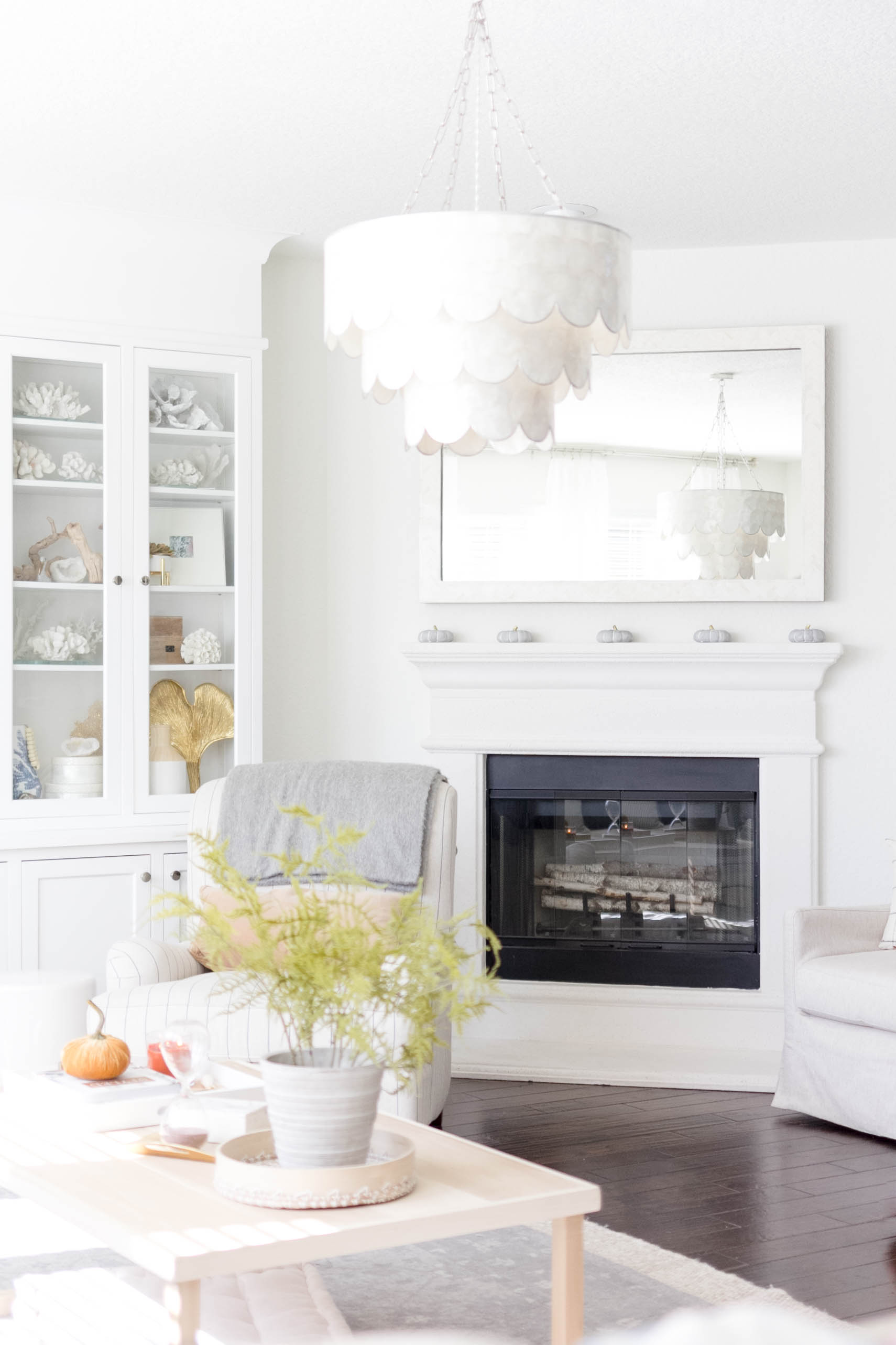 Simple and cozy fall decorating, Living Room Tour-IrisNacole.com-Fireplace