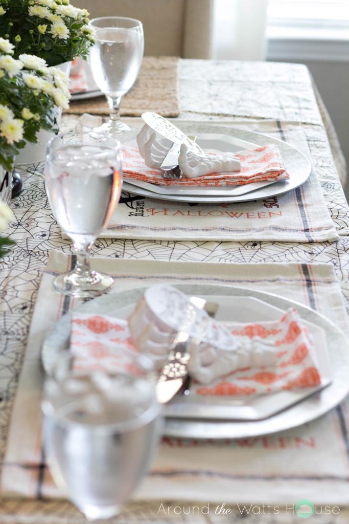 Halloween-Dining-Settings