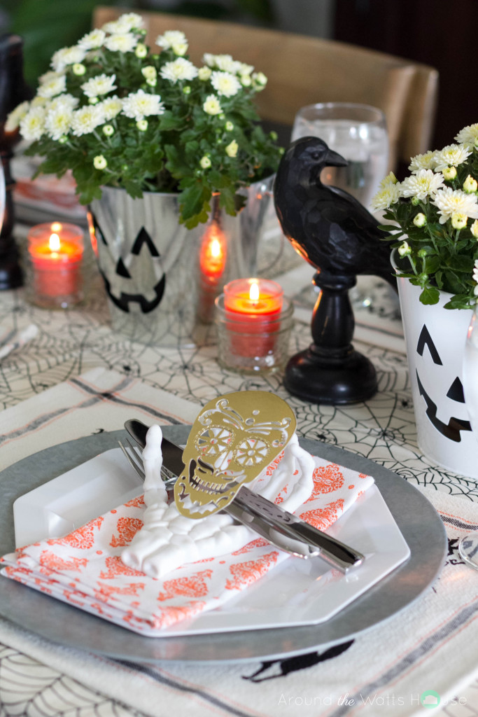 Halloween-Dining-Spooky-Pla