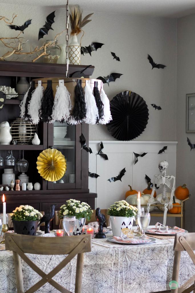 Spooky-Halloween-Dining-Cen