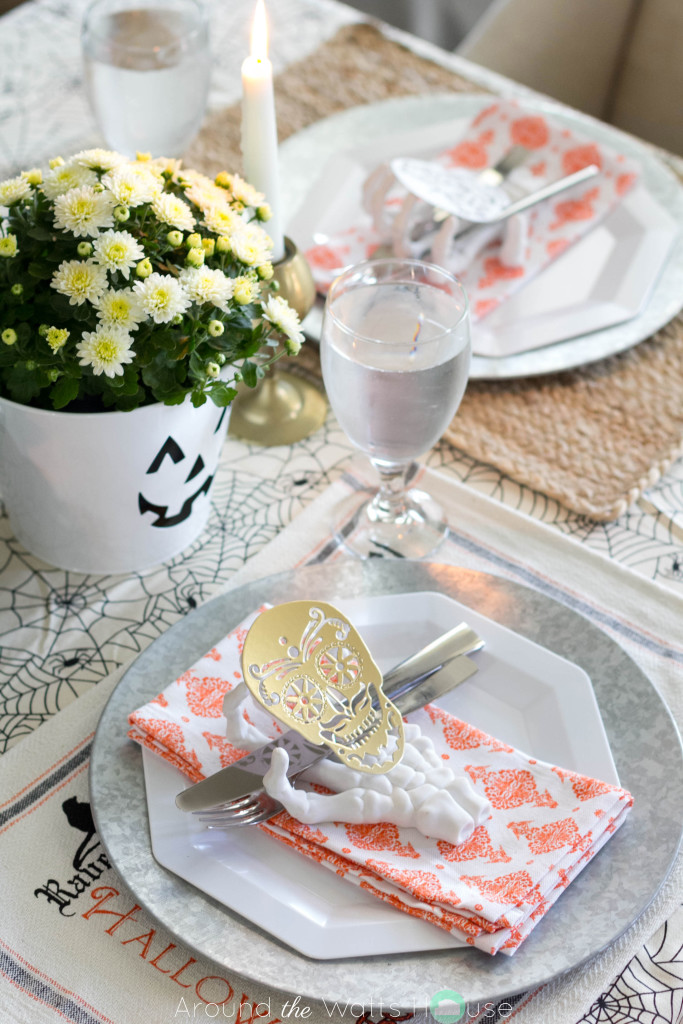Spooky-Halloween-Dining-Pla