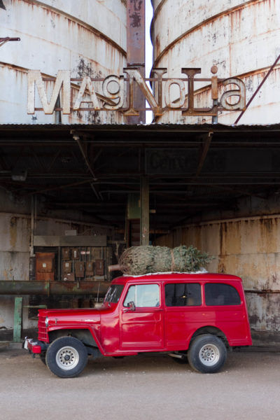 A Christmas Visit to Magnolia Market at the Silos