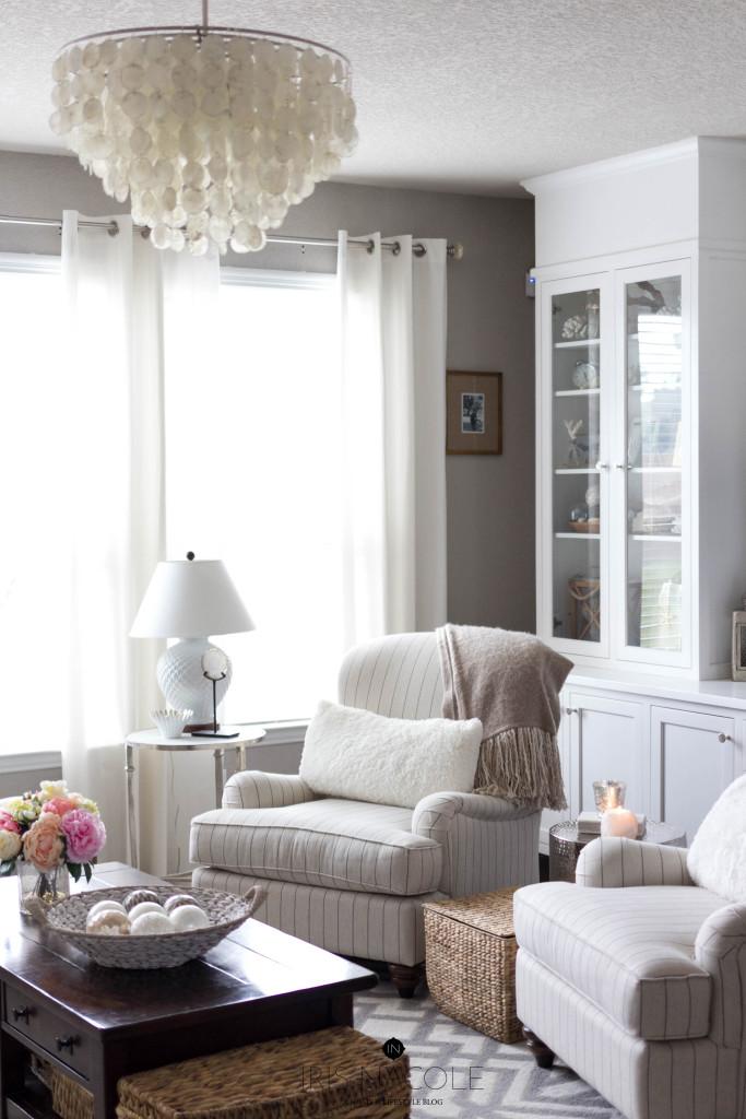Living Room-Decor-Makeover-IrisNacole.com-Neutral Decor-Coastal Decor-Builtins-New Year, New Room Challenge