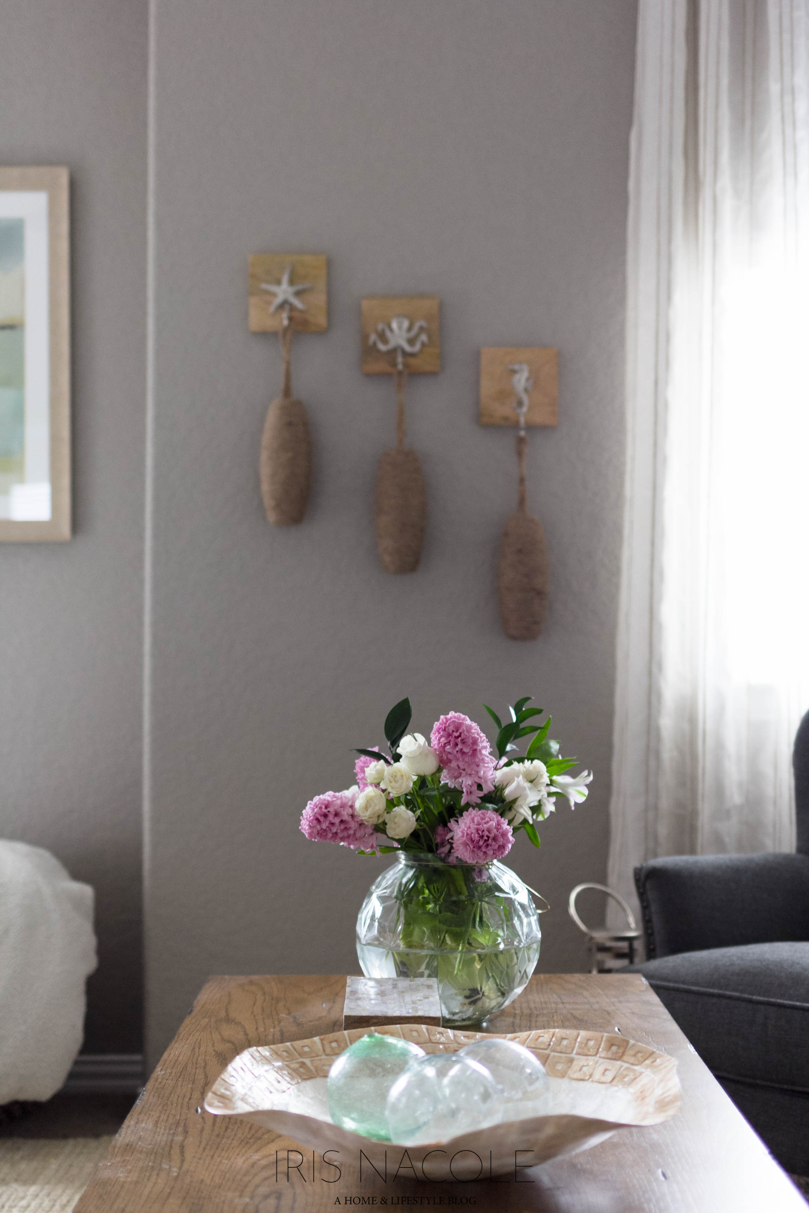 Coastal Themed Family Room Makeover-Shop the House-IrisNacole.com