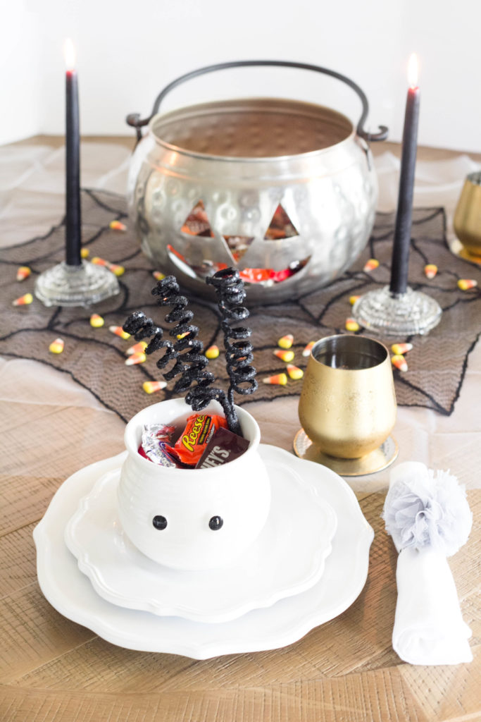 halloween-table-setting-irisnacole-com-ideas