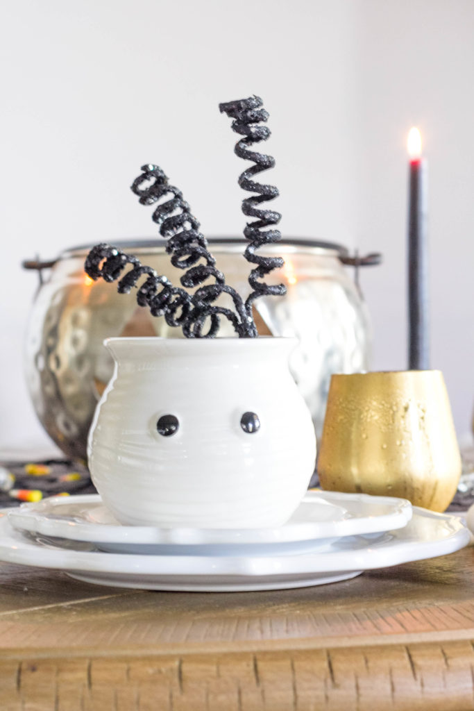 halloween-table-setting-irisnacole-com-cute-setting-ideas