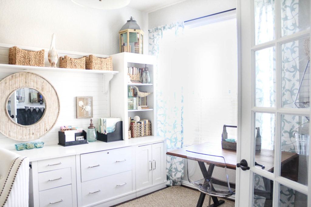 spring-2015-home-office-makeover-one-room-challenge-irisnacole-com