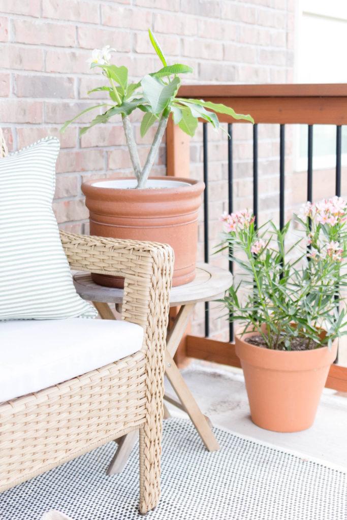 Summer Outdoor Balcony-Porch Styling Summer Outdoor Balcony-Porch Styling