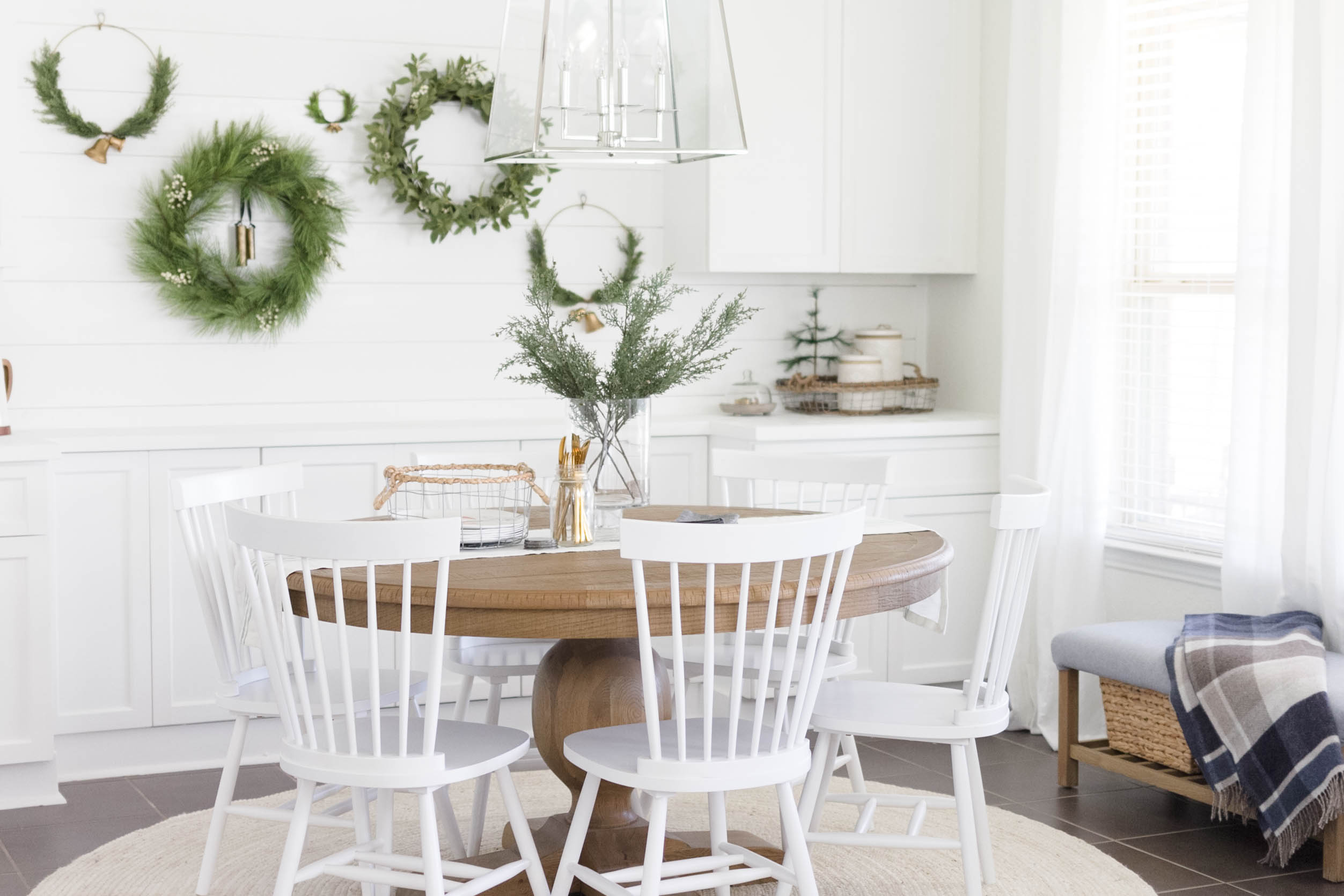 Holiday Decorating Dining Room Decorating Ideas With IrisNacole.com