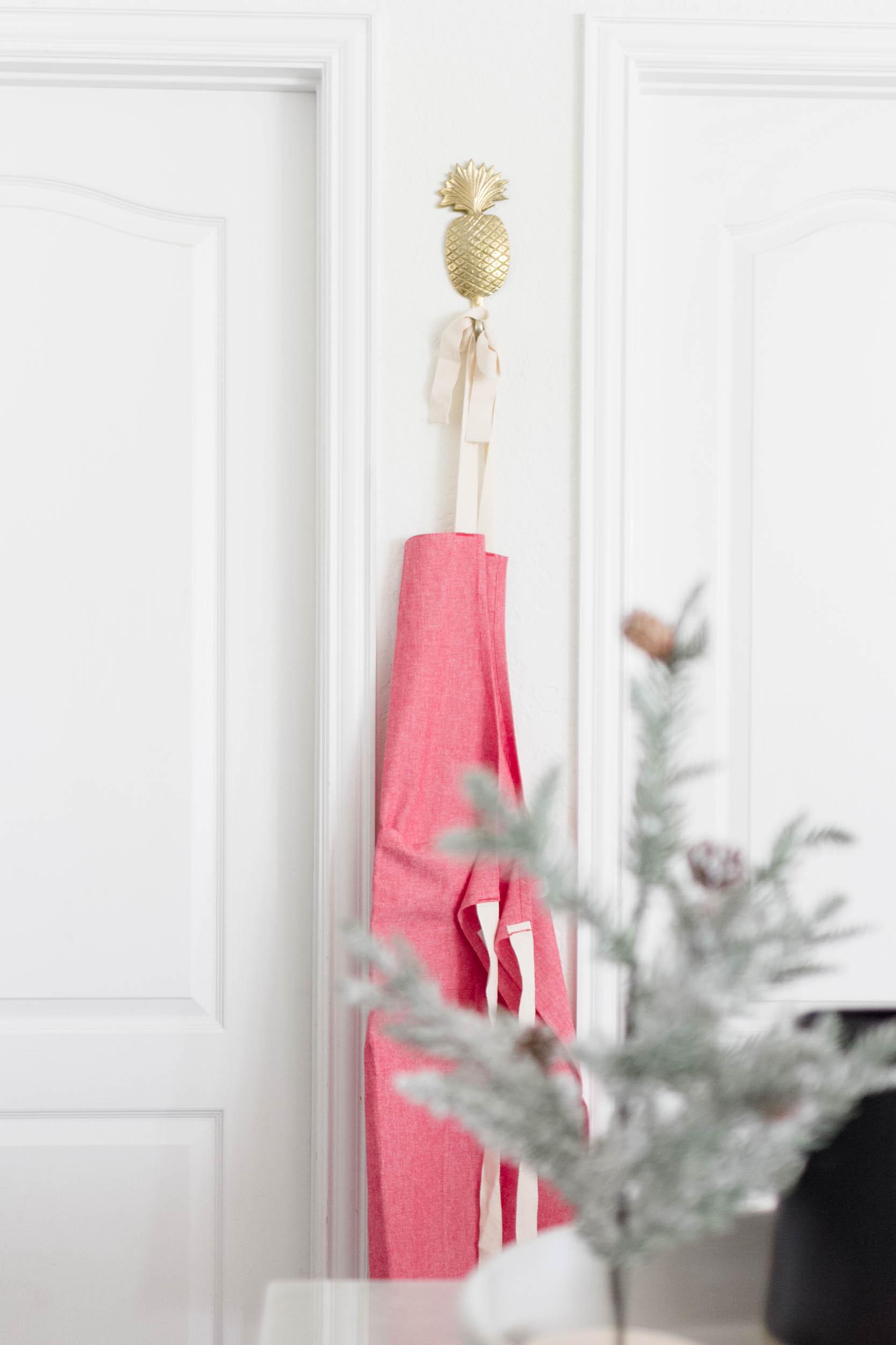 Simple Holiday Decorating-Kitchen Decor-irisNacole.com