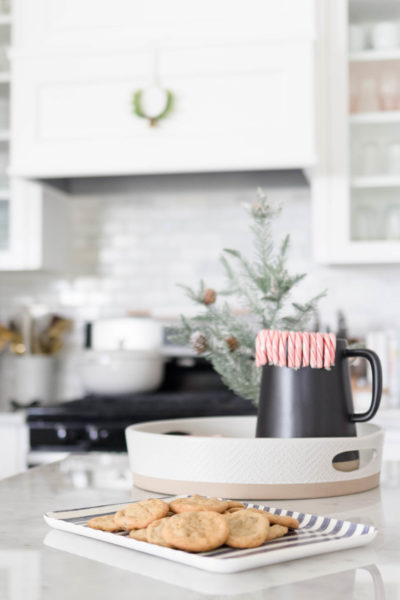 Simple Holiday Kitchen Decor