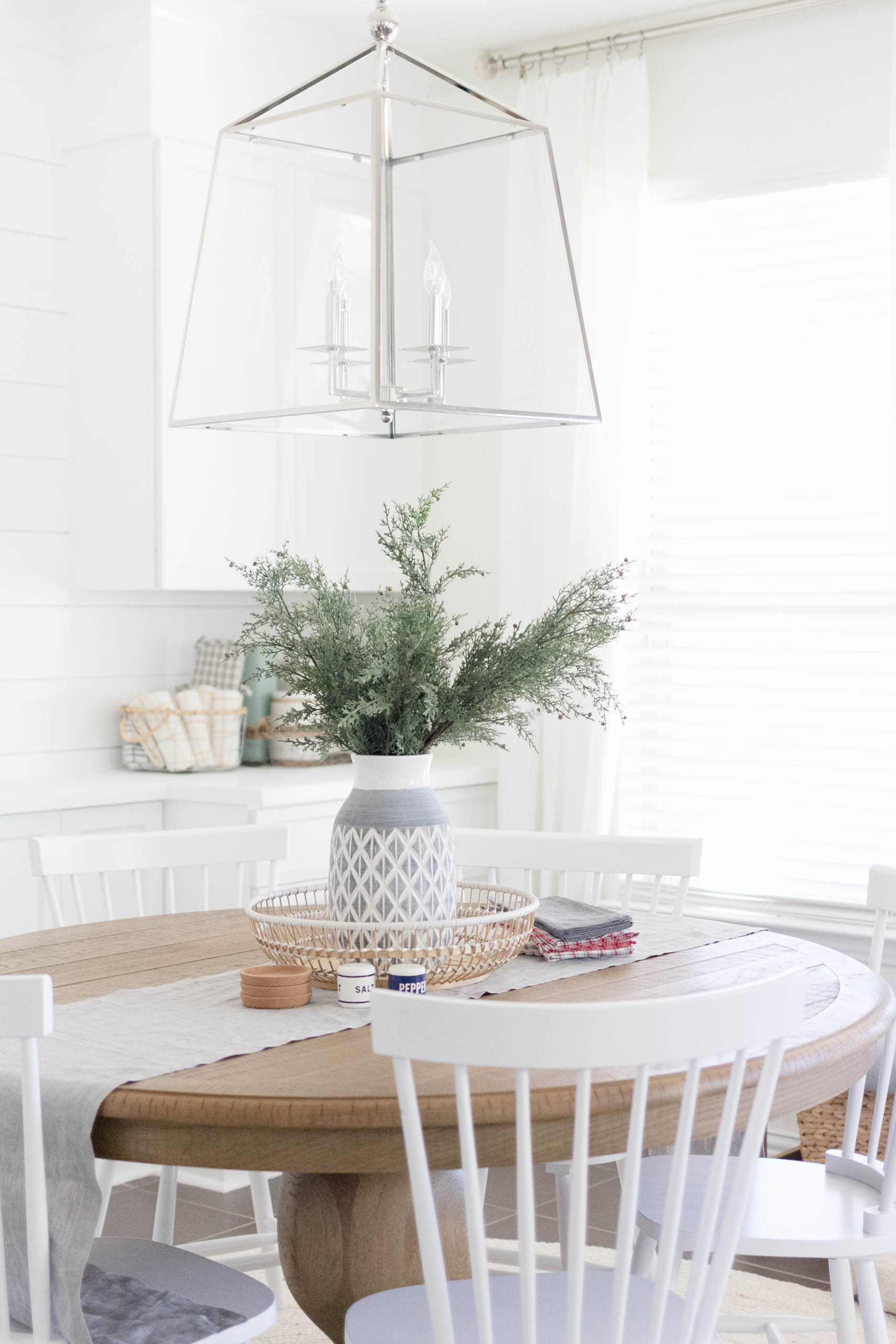 Casual Dining Room Decor | Iris Nacole